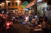 Petite balade culinaire nocturne à Hanoi