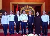 Don des bouddhistes vietnamiens en France pour les garde-côtes