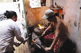 À Hô Chi Minh-Ville, une forge garde sa flamme