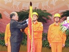 Lélectricité, 60 ans et lOrdre Hô Chi Minh en bouquet