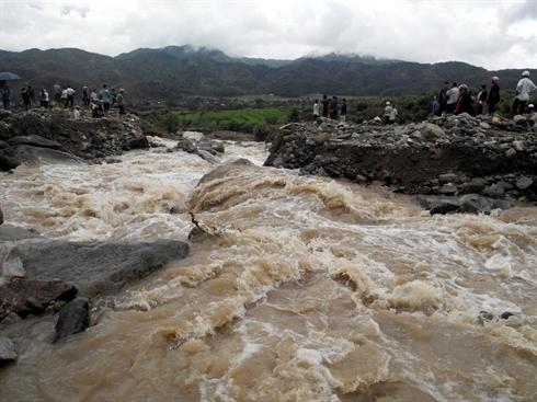 Prévention et lutte contre les crues subites et glissements de terrain