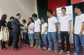 Remise du certificat d'allemand DSD à des lycéens hanoïens