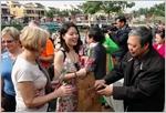 Quang Nam et Cà Mau attirent de nombreux touristes pendant le Têt