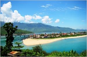 Thua Thiên-Huê accueille 438.000 touristes les deux premiers mois de 2015
