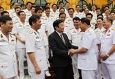 Le président Truong Tân Sang salue le 60e anniversaire de la Marine populaire