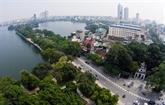 Un Anglais reste à Hanoi pour le bun cha