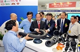 Ouverture de lexposition internationale sur lindustrie auxiliaire Vietnam 2015