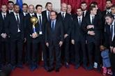 Hand : les Bleus reçus à l'Élysée pour fêter leur 6e titre mondial