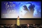 Emma Watson fait tourner la tête de la Bête en version live