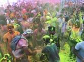 Holi : bataille de pigments à Hanoï