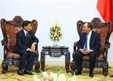 Le PM Nguyên Xuân Phuc salue la coopération Hanoï - Vientiane