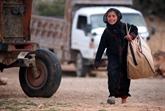 Exode de civils syriens fuyant les combats entre l'armée et l'EI