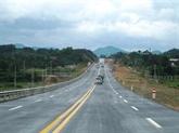 Le Vietnam et le Laos accélèrent le projet dautoroute Hanoï-Vientiane