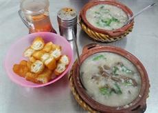 Amateurs de cuisine de rue, rendez-vous rue Lò Đúc, Hanoï