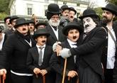 Record de 662 personnes déguisées en Charlot en Suisse