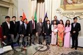 LUniversité italienne de Brescia souhaite accueillir plus détudiants vietnamiens
