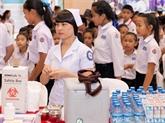 Le Laos fournit des soins de santé gratuits aux enfants