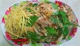 Poulet, mangue et herbes à la vietnamienne