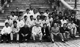 Les jeunes vietnamiens en Thaïlande sinforment sur le Président Hô Chi Minh