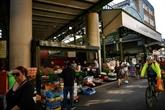 Attentat de Londres : le Borough Market rouvre dans l'émotion