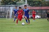 Le tournoi de football U15 commence à Dà Nang