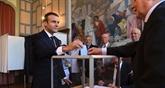 Législatives : majorité écrasante en vue pour Macron, une opposition en lambeaux à l'Assemblée