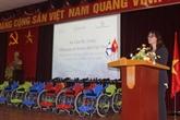 Cadeaux de l'ambassade d'Israël aux enfants handicapés du Vietnam