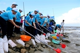 Meeting en écho à la Semaine sur la mer et les îles du Vietnam 2017 à Cà Mau