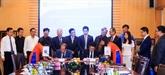 Petrolimex étudie des possibilités de coopération avec un groupe birman