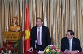 Le vice-PM Truong Hoà Binh salue le rôle de la communauté vietnamienne à Singapour