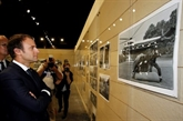 Emmanuel Macron soffre une parenthèse culturelle aux Rencontres de la photographie dArles