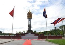 Inauguration dun monument de lamitié Vietnam - Cambodge à Battambang