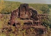 Lénigmatique nécropole de la montagne dA Mang