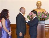 L'Ordre de l'Amitié remis à l'ambassadeur cubain