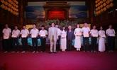 Remise de 193 bourses Odon Vallet à des jeunes de Thua Thiên-Huê