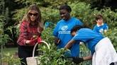 Melania Trump jardine à la Maison Blanche