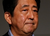 Abe renonce à son objectif dun budget équilibré en 2020