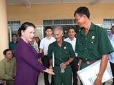 La présidente de lAN à lécoute des électeurs du district de Phong Diên de Cân Tho
