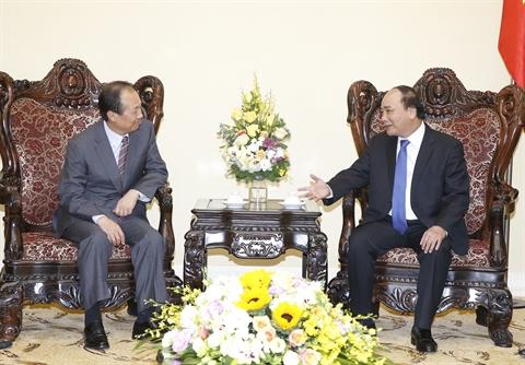Le Premier ministre Nguyên Xuân Phuc reçoit le directeur général du groupe Samsung