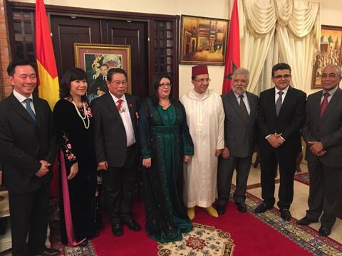De nombreux ambassadeurs étranger ont participé à la cérémonie de remise de l'ordre de «Grand Officier de Wissam Al Alaoui» à l'ancien ambassadeur du Vietnam au Maroc, Pham Truong Giang.