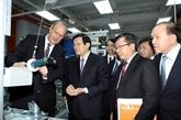 Le chef de l'État en visite à l'Université Vietnam - Allemagne à Binh Duong