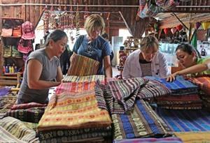 Hausse du nombre de touristes étrangers au Vietnam en dix mois