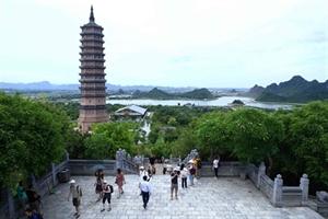 Ninh Binh améliore la qualité de ses services touristiques