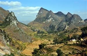 Développement touristique du plateau calcaire de Dông Van