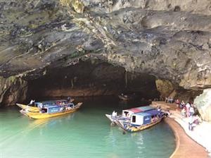 Quang Binh accélère son développement touristique