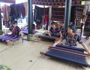 Développer les villages de métiers traditionnels en association avec le tourisme