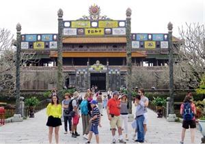 La Semaine touristique dor aux patrimoines ouverte à Huê