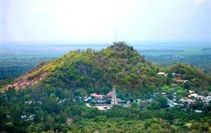 À la découverte des pagodes sur le mont Trà Su à An Giang
