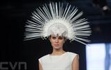Une mannequin présente une création du styliste hongrois Virag Kerenyi lors des Marie Claire Fashion Days à Budapest, en Hongrie. Photo : Xinhua/VNA/CVN