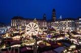 Le plus ancien marché de Noël en Europe est celui de Dresde, le célèbre Dresdner Striezelmarkt, en Allemagne. Il s'agit de la 582e édition de ce marché qui s'ouvre du 24 novembre au 24 décembre. Photo : EPA/VNA/CVN